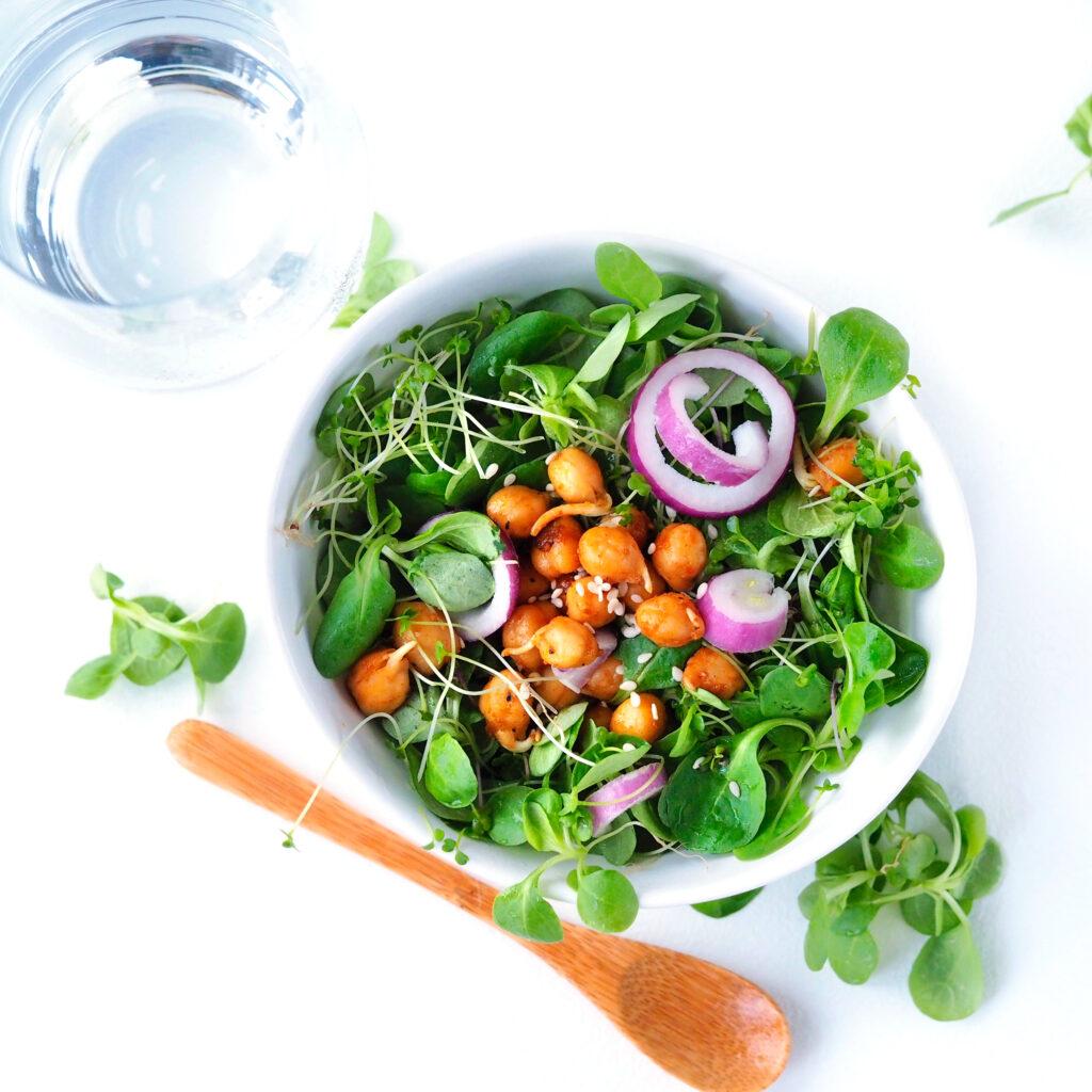 salat med friske spirer